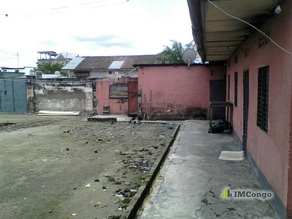 Yaku uzisha Nyumba - Mtaa Yolo-Sud Kinshasa Kalamu