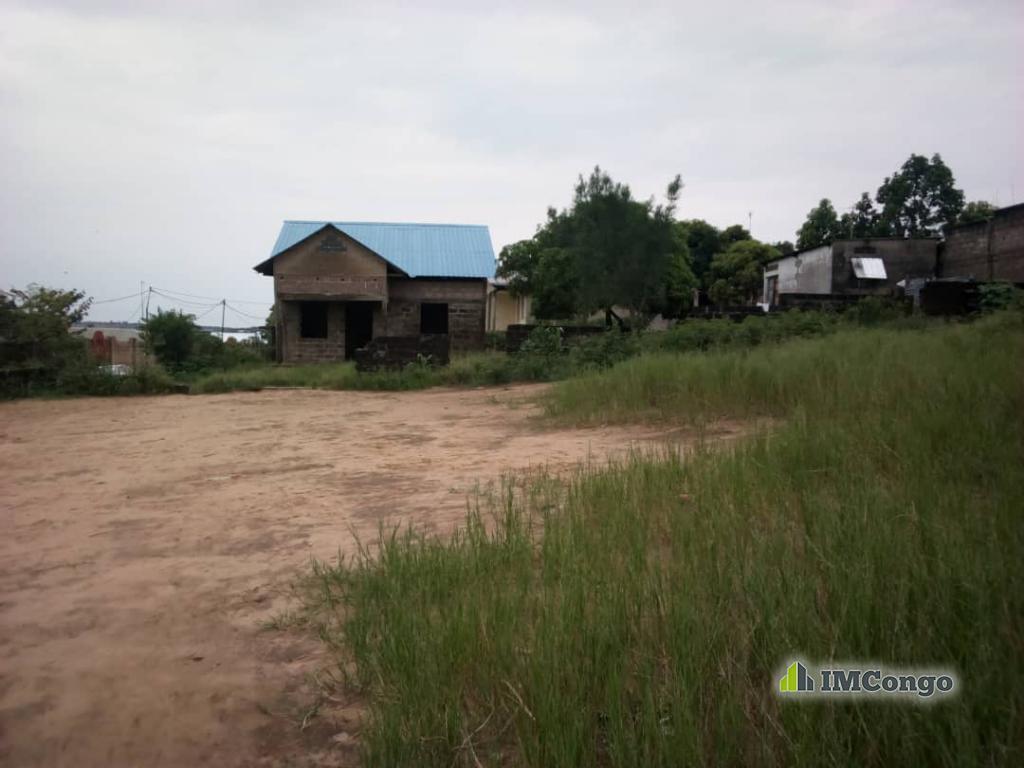 A vendre Terrain - Quartier Sebo  Kinshasa Mont-Ngafula