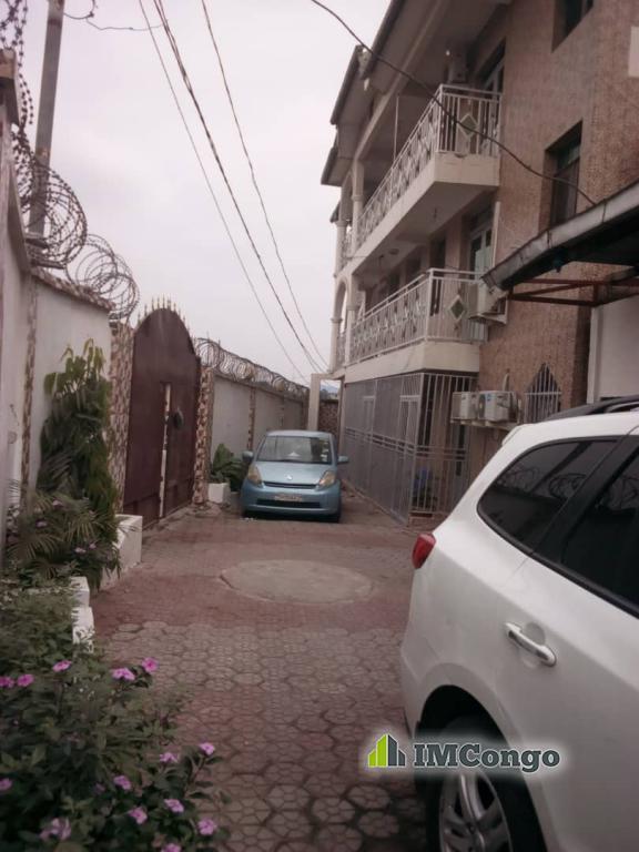 Yaku uzisha Immeuble - Mtaa Basoko  Kinshasa Ngaliema