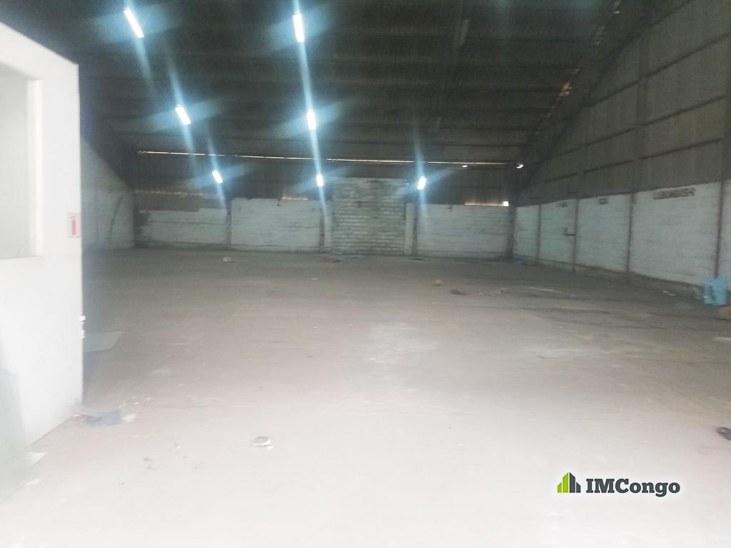 A louer Entrepôt - Quartier Socimat Kinshasa Gombe