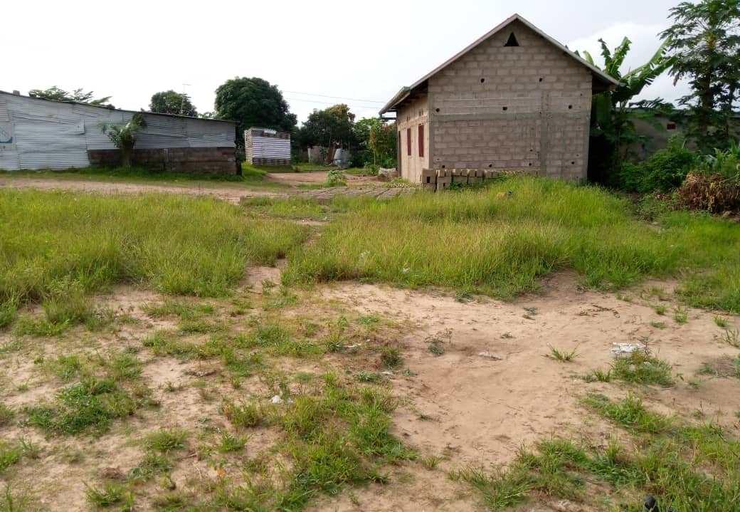 A vendre Terrain  - Quartier Mitendi Kinshasa Mont-Ngafula