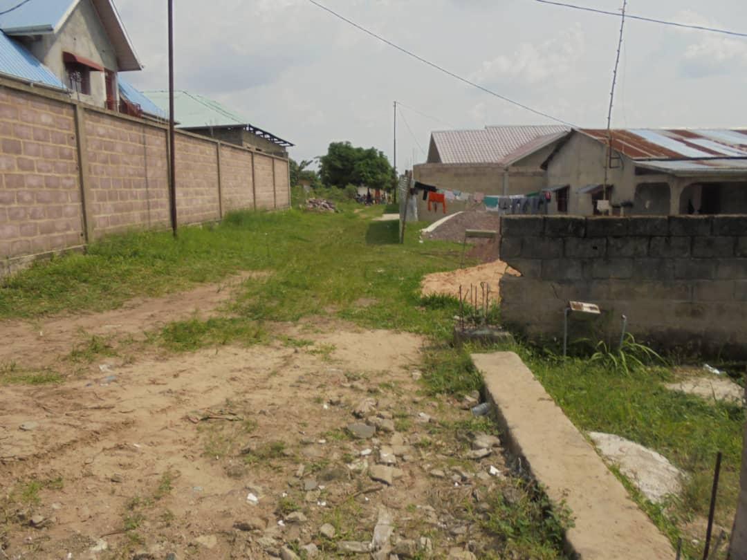 A vendre Parcelle - Route Matadi  Kinshasa Mont-Ngafula