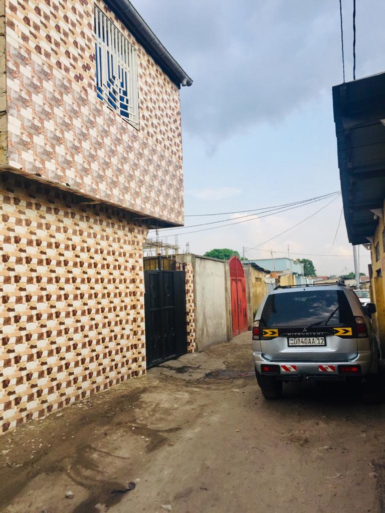Yaku uzisha Nyumba - Mtaa I Kinshasa Ndjili