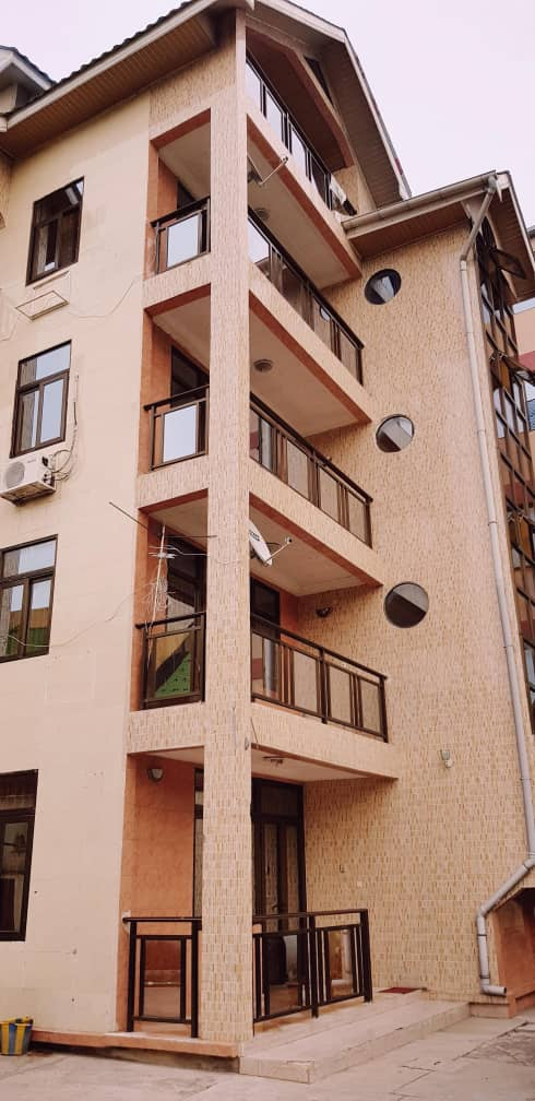 Yaku uzisha Immeuble - Mtaa Beau-Vent Kinshasa Lingwala