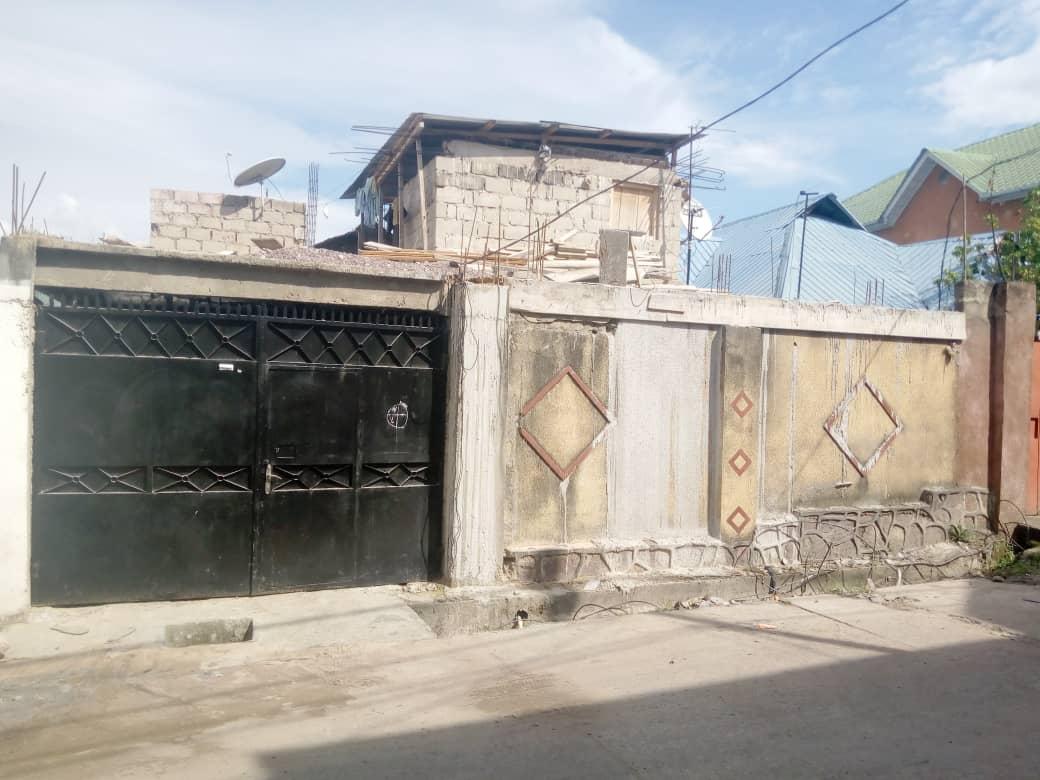 A vendre Maison - Quartier Des Anciens Combattants Kinshasa Ngaliema