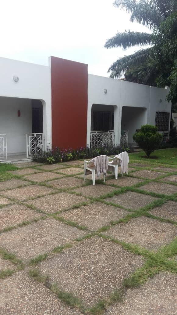 A vendre Maison (morcellement) - Quartier UPN Kinshasa Ngaliema