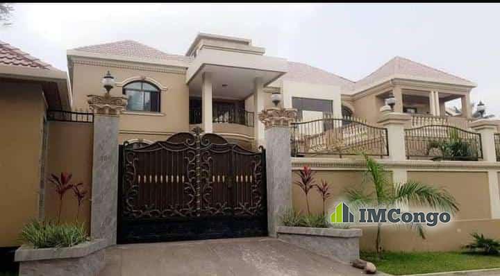 A vendre Maison - Quartier Mont- fleury Kinshasa Ngaliema