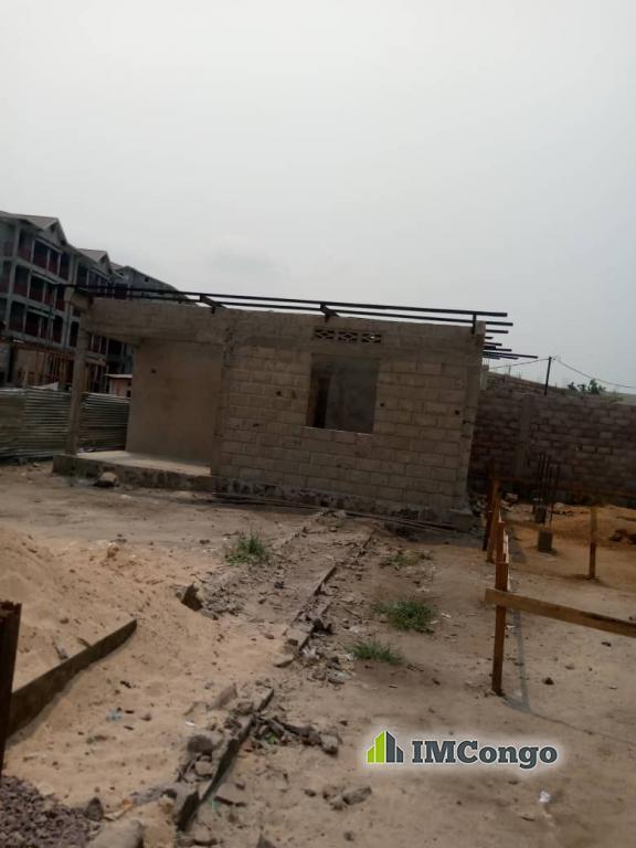 A vendre Parcelle - Quartier Champ de tir Kinshasa Ngaliema