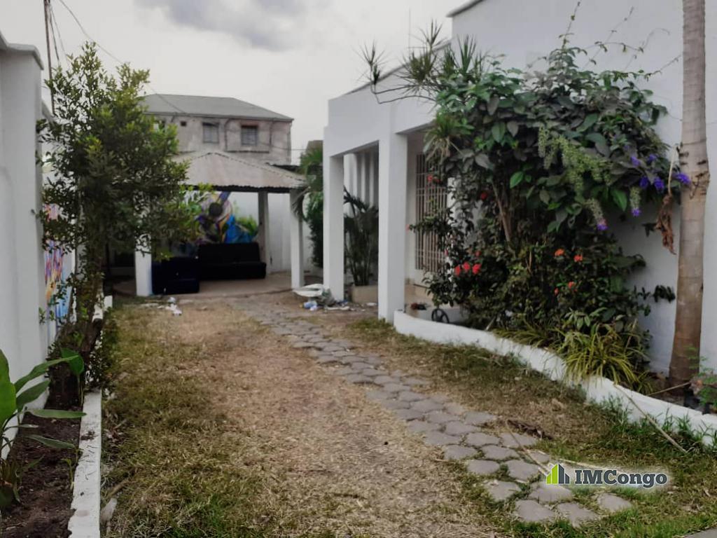 A louer Maison - Quartier Lisala Kinshasa Kintambo