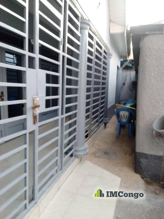 A louer Maison - Quartier Matonge  Kinshasa Kalamu